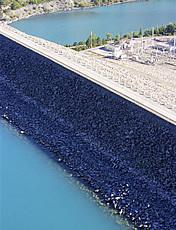 Barrage en terre de Serre-Poçon